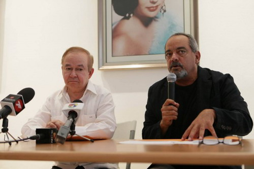 El director de la DGCINE, Ellis Pérez y el presidente de ADOCINE, Alfonso Rodriguez. Foto: Fuente externa.