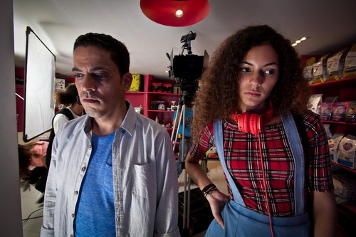 Lu´si José German y Camila Santa en preparación para una de las escenas del filme. Foto: Quite Island Films