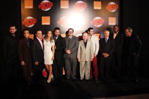 """Actores y actrices del filme """"Ponchao"""" comparten junto a personalidades invitadas a la gala premiere. Foto: Fuente externa"""