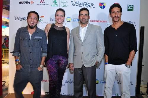 Tabaré Blanchard, Laura Castellanos, Karim Mella e Ivan Herrera durante la premier. Foto: Fuente externa