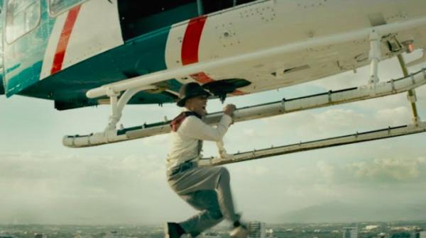 Fausto Mata en una de las arriesgasdas escenas de la película. Foto: Fuente externa