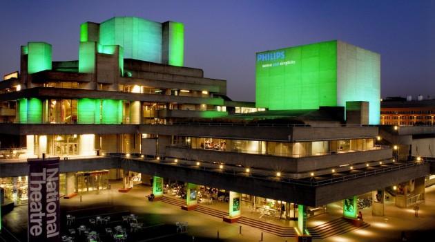 Vista exterior del National Theatre de Londres desde el puente Waterloo. este teatro es considerado uno de los mejores del mundo. Foto: Fuente externa