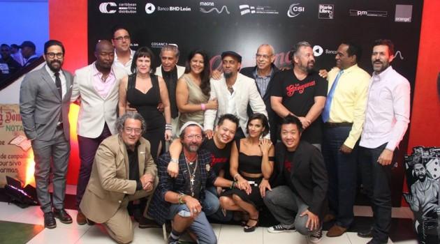 """Elenco de actores y productores de """"La Gunguna"""" durante la noche de la gala premier. Foto: Fuente externa"""