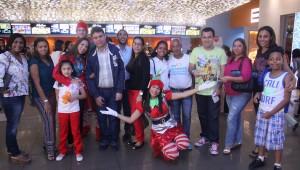 Parte de público asistente a la inauguración. Foto: Jesús Samuel Jimenez.