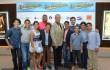 Oscar Carrasquillo y Felipe Polanco junto al elenco infantil de la película. Foto: Fuente externa.