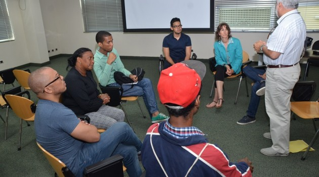 La directora Suzan Beraza y el director dominicano Pedro Urrutia impartieron el taller. Foto: Fuente externa