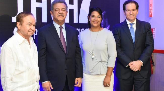 Ellis Pérez, Leonel Fernández, Yvette Marichal y Manuel Corripio durante el lanzamiento de la sala. Foto: Fuente externa