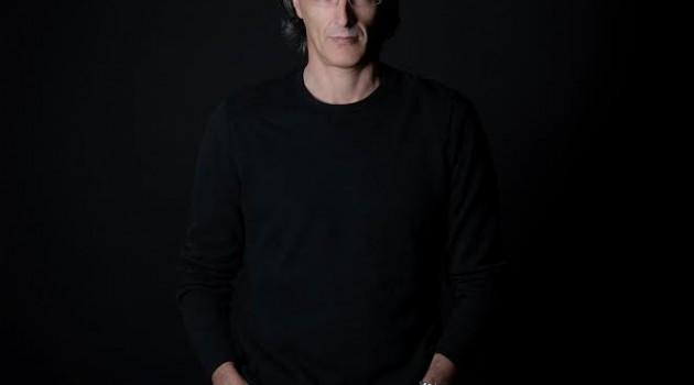 Pinky Pintor, es un director y productor de cine y televisión y reconocido creativo de origen gallego que ha experimentado con diversas áreas artísticas como la pintura, la música y el teatro. Foto: Fuente externa