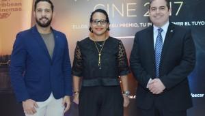Pedro Pineyro, Zumaya Cordero y Paul SotoJPG durante el anuncio de la promoción en Fine Arts. Foto: Fuente externa.