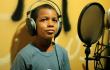 La historia en cuestión es la de un niño dominicano que limpia parabrisas y que sueña con ser cantante de reggaetón. Foto: Fuente externa