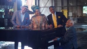 Wason Brazobán, Diomary La Mala, Nini Cáffaro y Rafael Solano en una escena del documental. Foto: Fuente externa