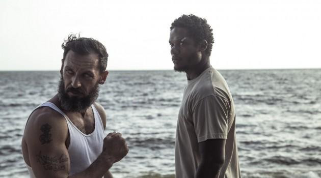 """El panorama dramático de """"Sambá"""" utiliza el el boxeo como una función de metáfora (o así lo quieren dejar ver) para que sirva como un simbolismo a los golpes que da la vida y a la reivindicación que puede tener un ser humano frente a un pasado tortuoso. Foto: Ecah Film."""