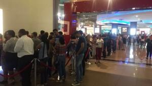 """Parte del público que está acudiendo a las salas del cine del país para apreciar la comedia """"Colao"""". Foto: Fuente externa"""