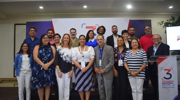 Yvette Marichal junto a los ganadores del FONPROCINE, miembros del CIPAC y del jurado. Foto: Fuente externa